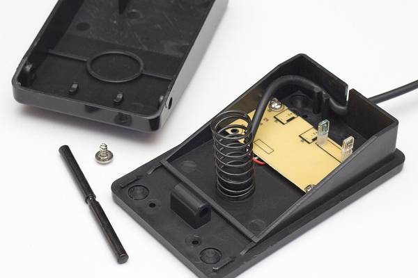 Fixing-a-Sewing-Machine-Foot-Pedal-Too-Fast-Gets-Hot-etc