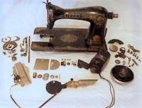 How-to-Clean-an-Old-Singer-Sewing-Machine-vintage-machines-70