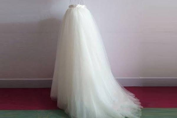 How-to-Make-a-Long-Tulle-Skirt-for-Wedding-Dress