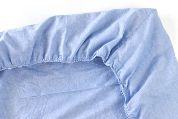 Sewing-Bed-Sheets-Tutorial-How-to-Sew-Bed-Sheets-Easily