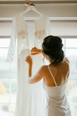 How-To-Take-In-A-Wedding-Dress