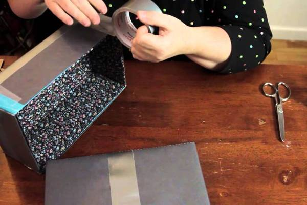 How-to-Make-a-Sewing-Box-From-a-Shoebox-or-Wood-9-Steps