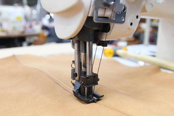 Serger-Wont-Make-Chain-Fixing-an-Overlocker-Not-Stitching