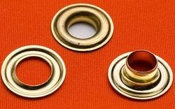 Difference-Between-Eyelets-and-Grommets