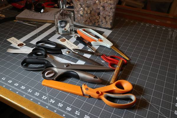 Kai-vs-Gingher-vs-Fiskars-Best-Scissors-for-Cutting-Fabric