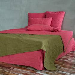 Turning-a-Throw-Type-Bedspread-Into-a-Fitted-Spread-With-Split-Corners