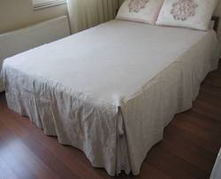 What-is-a-Split-Corner-Bedspread