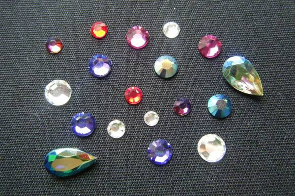 How-to-Glue-Rhinestones-Onto-Fabric-Effectively-Gemstones