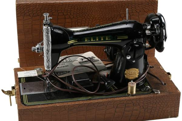 The-Vintage-Elite-Sewing-Machine-History-and-Review