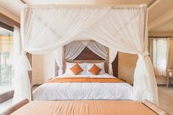 Best-Fabric-for-Bed-Canopy