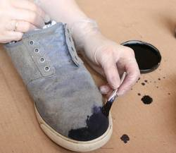 What-Paint-Works-On-Suede