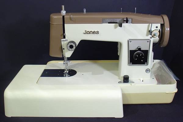 The-Jones-Sewing-Machine-Company-History-(Value-and-Review)