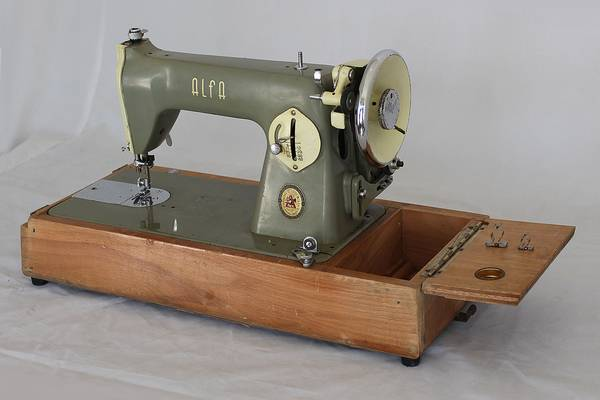 The-Vintage-Alfa-Sewing-Machine-History-Price-Review