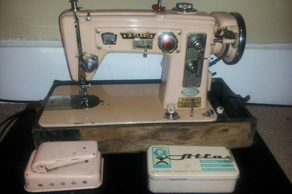 The-Vintage-Atlas-Sewing-Machine-History-Value-Review