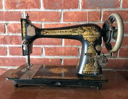 Which-Old-Singer-Sewing-Machine-is-Best