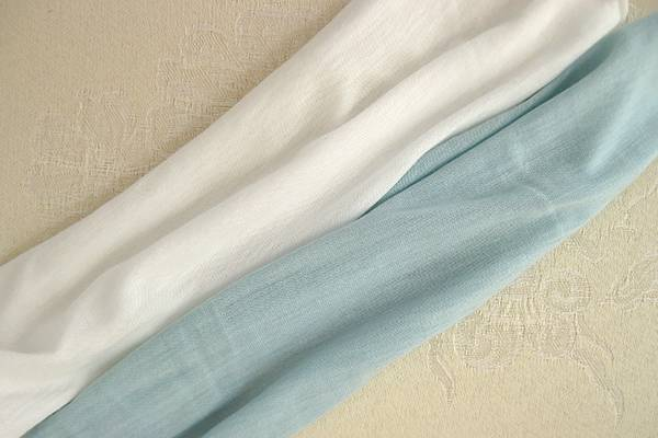 Can-You-Bleach-Rayon-(How-to-Bleach-Rayon-Fabric-Easily)