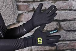 Do-Neoprene-Gloves-Keep-You-Warm