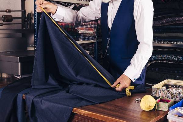 How-Big-Is-a-Yard-of-Fabric-(How-Wide,-How-Many-Inches,-etc)