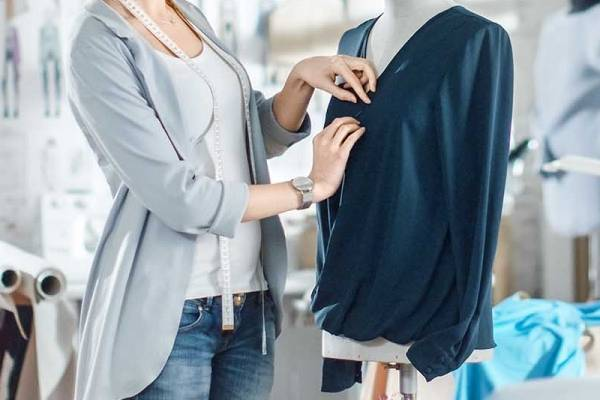 How-to-Alter-a-Blouse-to-Make-It-Bigger-or-Smaller-Easily