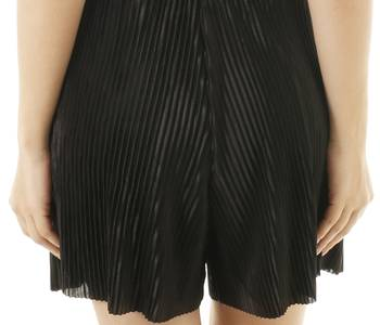 Pleated-Shorts