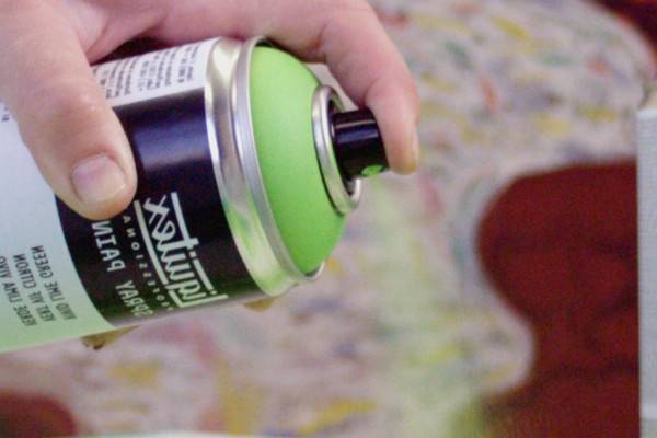Can-You-Spray-Paint-Cotton-(How-to-Paint-Cotton-Fabric)