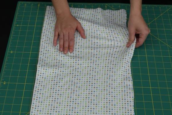 How-to-Cut-Stretchy-Fabric-Straight(Helpful-Tips-and-Guide)
