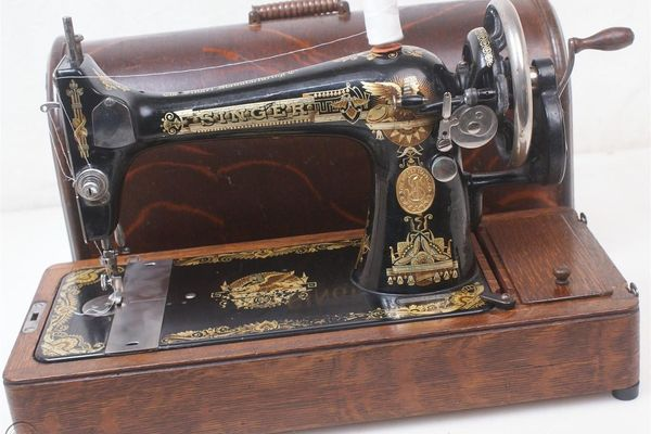 Singer-Sewing-Machine-no-127-and-128-Value-History-Review