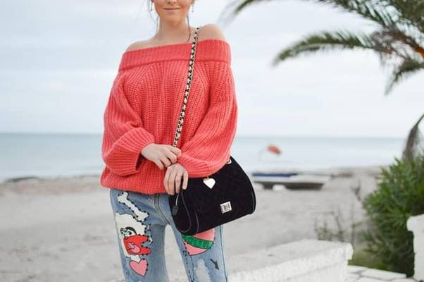 Does-Acrylic-Shrink-How-to-Shrink-an-Acrylic-Sweater-Easily