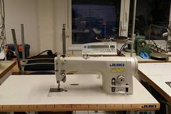 Sewing-Machine-With-Automatic-Thread-Cutter