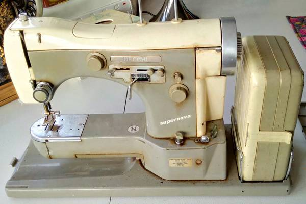 The-Necchi-Supernova-Ultra-Sewing-Machine-Review-Price