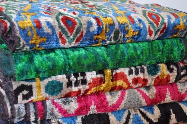 Velvet-Material-Colors-What-Color-is-Velvet-Red-Blue