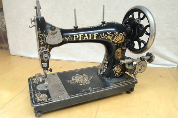 The-Antique-Pfaff-130-Sewing-Machine-History-Value-Review