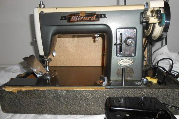 The-Antique-Wizard-Sewing-Machine-History-Models-Value