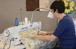 Who-Makes-Tin-Lizzie-Quilting-Machines
