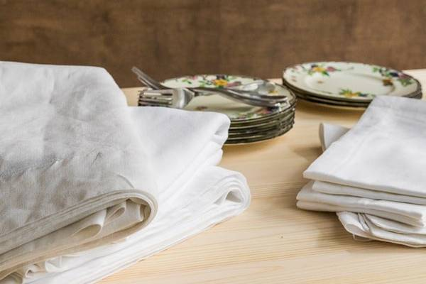 Best-Fabric-For-Cloth-Napkins-20-Options-How-Much-You-Need