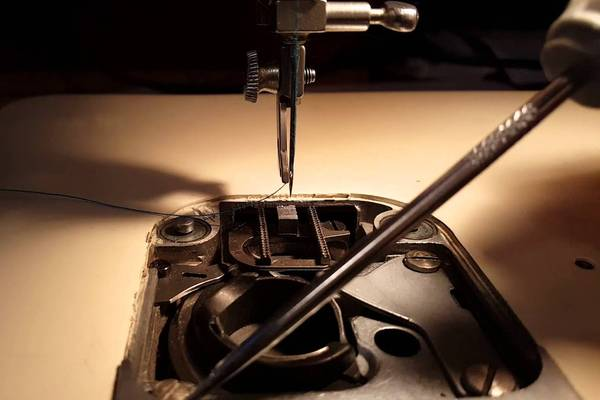 Troubleshooting-a-Singer-9410-Tension-and-Bobbin-Problems