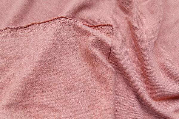 Fuzzy-Fabric-Types-and-Names-Stop-Fuzzy-Shedding-Tips
