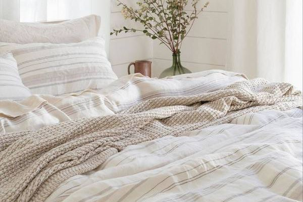 How-to-Turn-a-Duvet-Cover-Into-a-Quilt-Quilted-Duvet-Cover