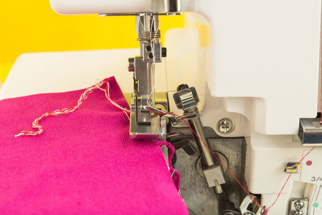 Needle-Keeps-Falling-Out-of-Sewing-Machine-How-To-Fix