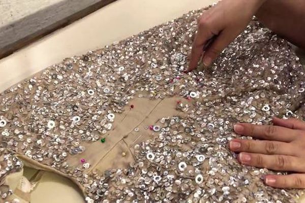 Sequin-Chafing-How-to-Prevent-Sequins-From-Irritating-Skin